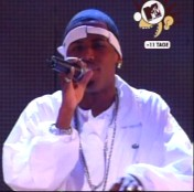 Fabolous at VH-1 Fashion Awards 2001 performing with Mariah Carey - Last Night A DJ Saved My Life